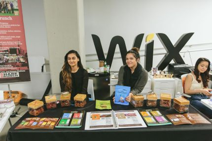 2015_6_1_TheExpatWomanEvent_WixLounge (2)